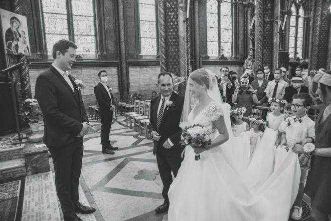 L'entrée de la mariée à l'église - Basilique Notre Dame de Bonsecours