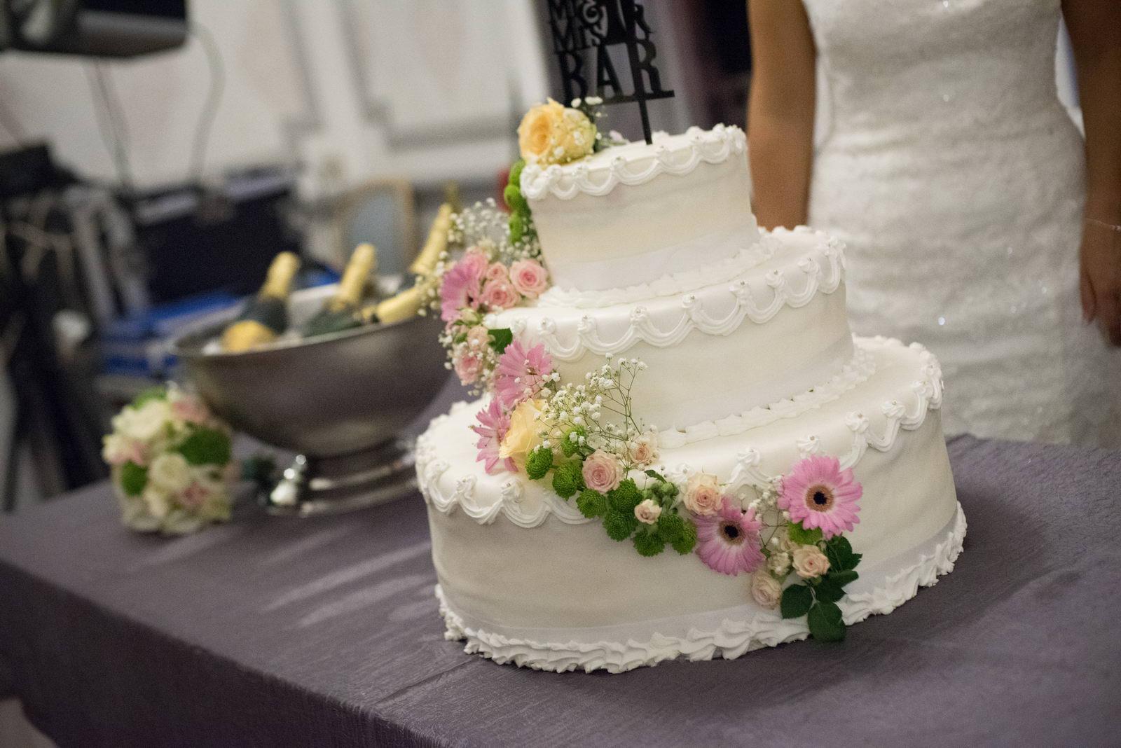 Wedding Cake A La Creme Au Beurre De Myrtilles 0117