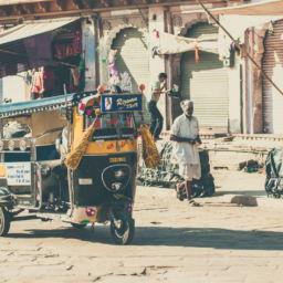 transports atypiques : auto-rickshaw en Inde